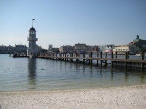 lighthouse-pier-yc-300x225